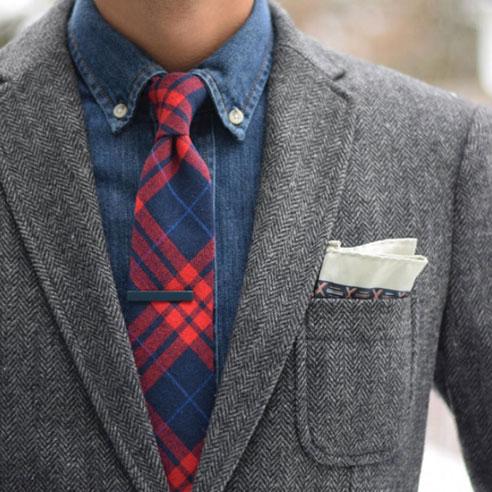 kravat iğnesi